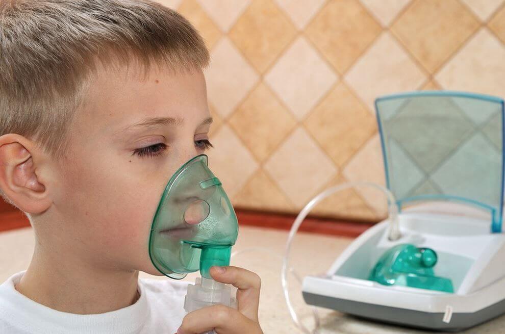 Из чего делают ингаляции при насморке у ребенка