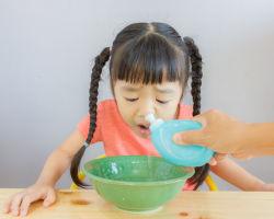 Можно ли промывать ребенку нос раствором фурацилина?