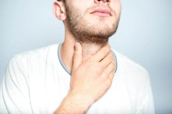 Неприятные ощущения в области горла при ангине