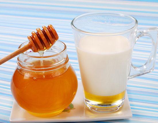 молоко и мед при осиплости голоса