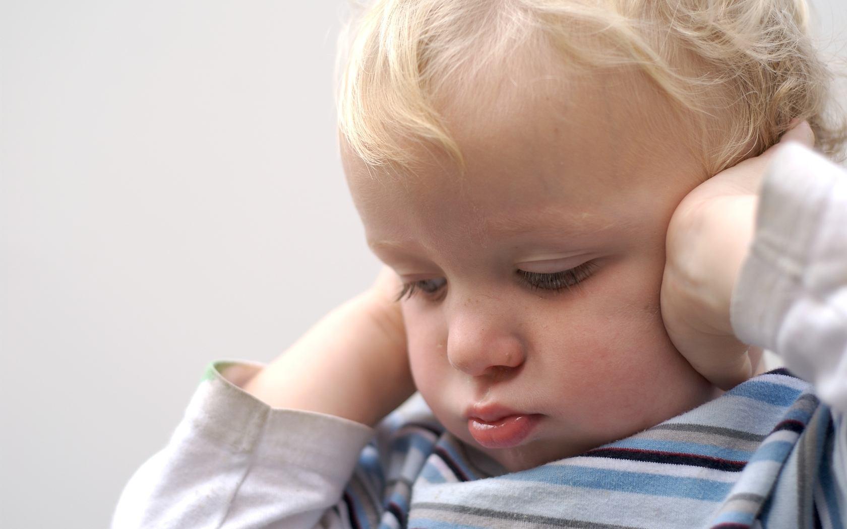 Тугоухость у детей - причины, симптомы, диагностика и лечение